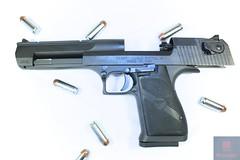 IMG_3691 (Mattography4Life) Tags: guns shotgun riffle deserteagle mattography