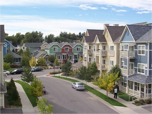 multifamily housing with 32-ft-wide streets (courtesy of Perry Rose)