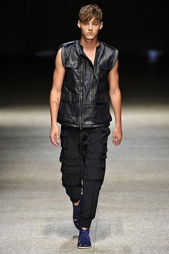 SS11_Milan Neil Barrett0021_Robbie Wadge(Stylecom)