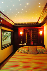 Maharajas' Express - Presidential Suite (Train Chartering & Private Rail Cars) Tags: doublebed presidentialsuite indiantrain privatetrain privaterailcar chartertrain traincharter trainchartering privatecarriage luxurytravel luxurytrain luxurytrainclub indianluxurytrain maharajasexpress trainbedroom