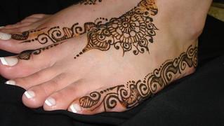 Mariam Bridal Henna: July 2010