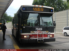 7849_20100731_IMG_3129 (R. Flores) Tags: 2005 new toronto bus buses america diesel ttc north commercial transit orion chrysler commission vii daimler 07501 dccbna