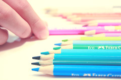 (Tatiana Pezzin) Tags: color pencil cores de colorful pastel lpis cor colorido