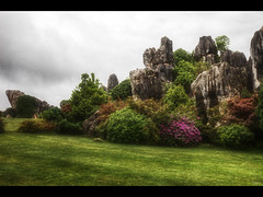 Having fun (Kaj Bjurman) Tags: china stone forest eos 5d kina hdr kaj mkii markii cs4 photomatix shiling bjurman