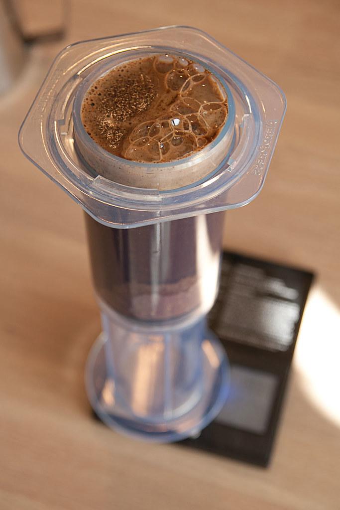 Kaffe og vann i Aeropress