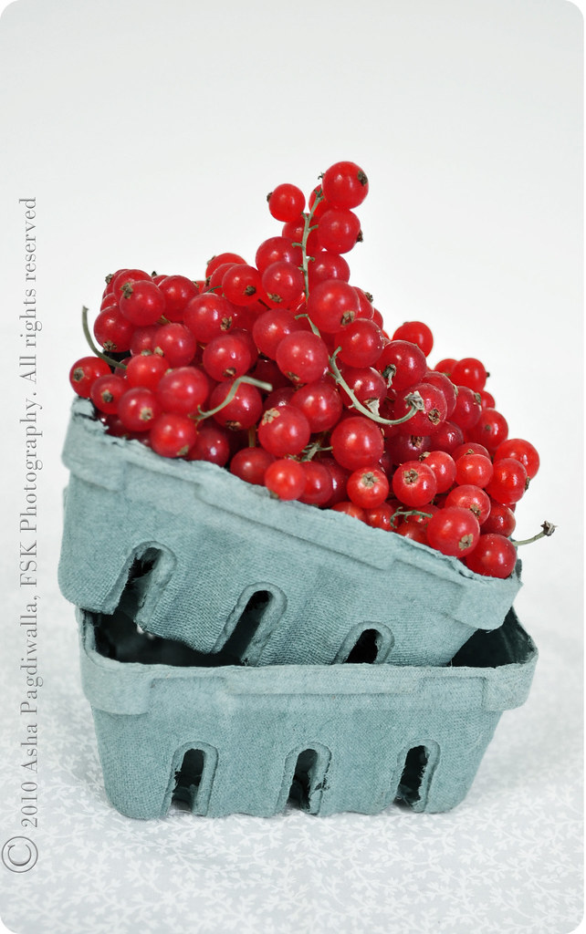 Red currants in a basket