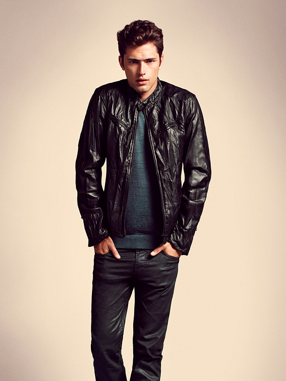 UNIQLO 0458_Fall 2010_Sean O'Pry