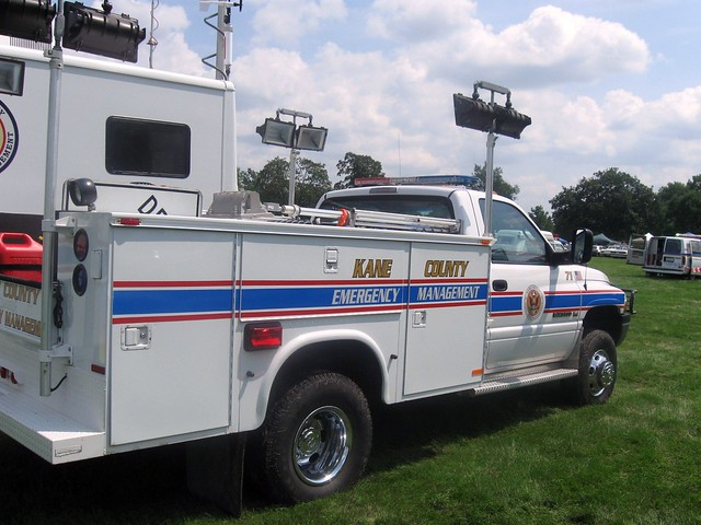 show county chicago fire office illinois police parade il management agency disaster vehicle service kanecounty kane emergency chicagoland esda managment chicagolandemergencyvehicleshow kanecountyofficeemergencymanagment northauroralightsandsirenparade 9171lightingutilityvehicle2001dodgeram3500v8magnum4x4benefits4x4utilityboxeslightingchainsaws25trafficcones8detoursigns30minuteflares20minutefuses4rollsofcautiontapecapabilities12 000wattsoflighting135kwgenerator2 000wattsofadditionaltripodlighting