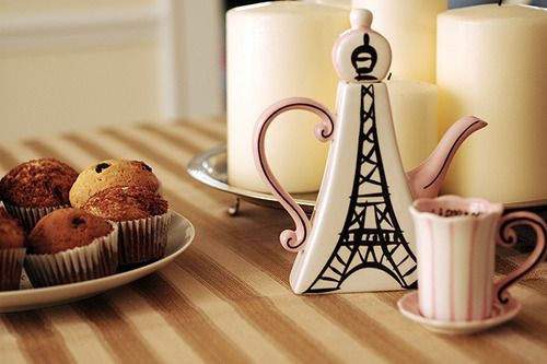 Eiffel Tower Tea Pot