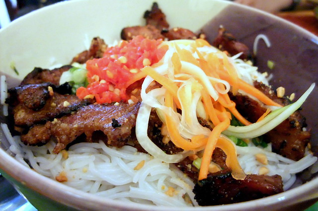 Grilled Pork Chop with Rice Noodles