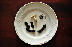 (Decrepit Telephone) Tags: old stilllife vintage cord antique victorian ivory plate parasol worn etc bone trim 1860s zzzz tassel tassels crazed ruffle finial flounce notmuchtosayrightnowasiamsupertired inneedofanapithink
