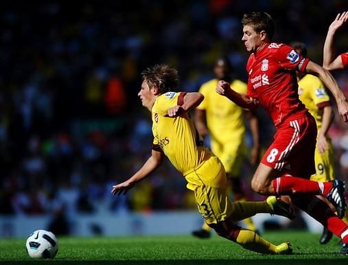 Wenger defends Arshavin's lacking display