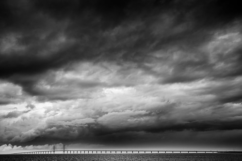 Øresund Bridge under dark sky