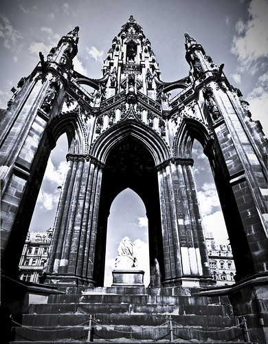 Scott Monument Pano