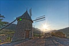 Moulin de Cucugnan (Aude, 11) #1 (Christophe.R.) Tags: sunset canon moulin 11 t aude hdr montagnes cucugnan canon1022mmf3545 eos40d canon40d lightroom3 christopheramos
