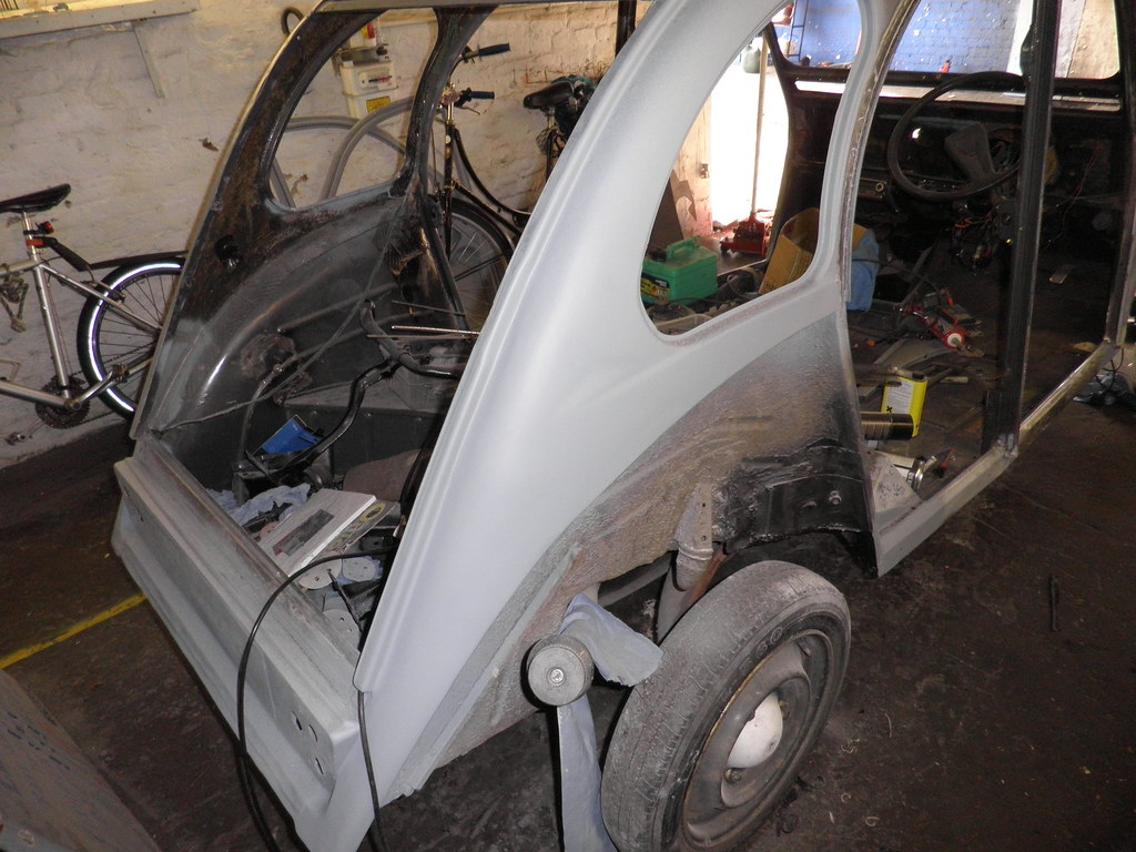 2CV going yellow and black soon