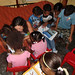 Bárbara y niños biblioteca