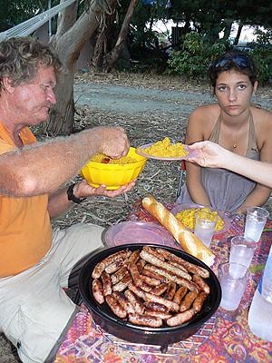 dîner de saucisses et couscous.jpg