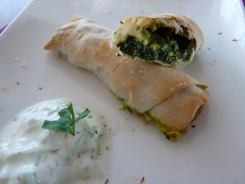 Börek mit Mangold-Feta Füllung & Cacik