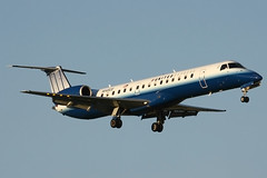 United Express EMB-145 N14920 (Justin Pistone) Tags: airport united jet kansas express wichita continent mid embraer 145 ict expressjet kict n14920