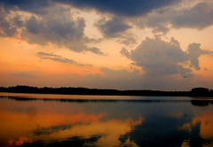 winding down (bdaryle) Tags: sunset sky lake nature clouds reflections atardecer sony cielo nubes windingdown justclouds brandondaryle bdaryle imagesbybrandon