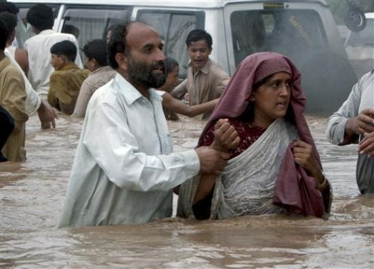 pakistan flood.jpg