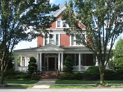 Victorian Home in Baker Park