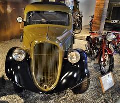 Škoda Popular military ambulance (1937) (The Adventurous Eye) Tags: popular militaryvehicles škoda militaryambulance škodapopular lešanymilitarymuseum
