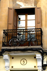 """Mi corazn sin motor"". Madrid. Espaa (alejandra.rh) Tags: madrid windows espaa bike ventana spain bicicleta balconies tres balcones"