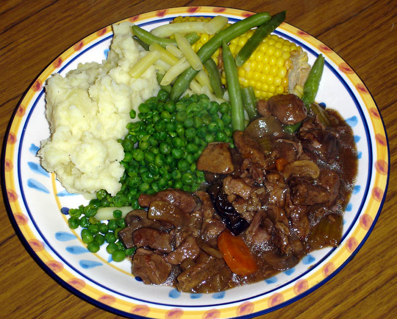 Slow cooked beef with red wine and vegie's!! (dinner)
