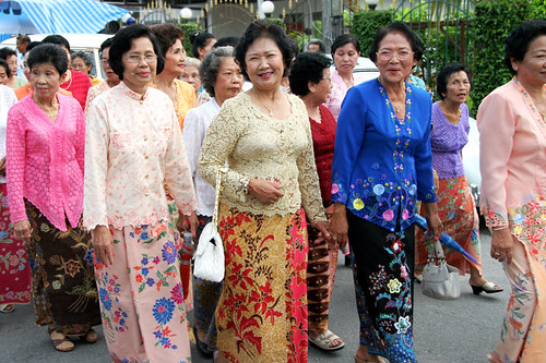 Ladies dressed in old Chinese style
