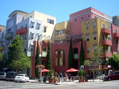 walkable mixed uses in San Diego (by: LA Wad/Chris, creative commons license)