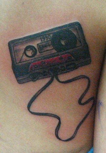 cassette tape tattoo. Tatuaje Cassette Pupa Tattoo