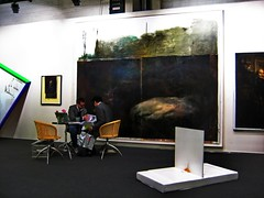 Buy or buy not, this is the question - ART 41 (TobTob) Tags: people sculpture white art canon painting switzerland big suisse grand fair basel ixus carlo discussion tableau blanc 41 gens 2010 acdsee tobtob pro3 fachini carlofachini