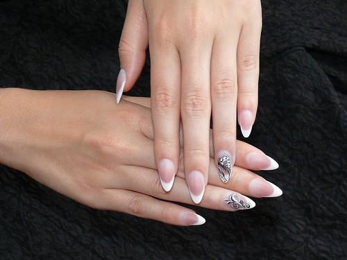 Fekete-fehér (műköröm) / Black & White (nail-art)