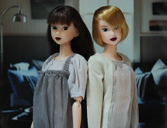 Dark-Lipped Momoko Dolls (Girl Least Likely To) Tags: fashion toys dolls ooak vinyl etsy ccs paulina sekiguchi momoko japanesetoys jiajia ivie princesspeach asiandolls closeclippedsheep darkcherry deepplum clearlan