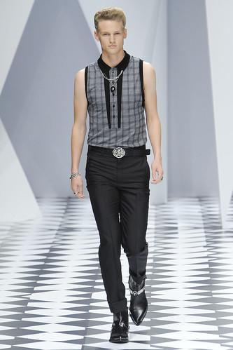 SS11_Milan_Versace0027_Alexander Johansson(VOGUEcom)