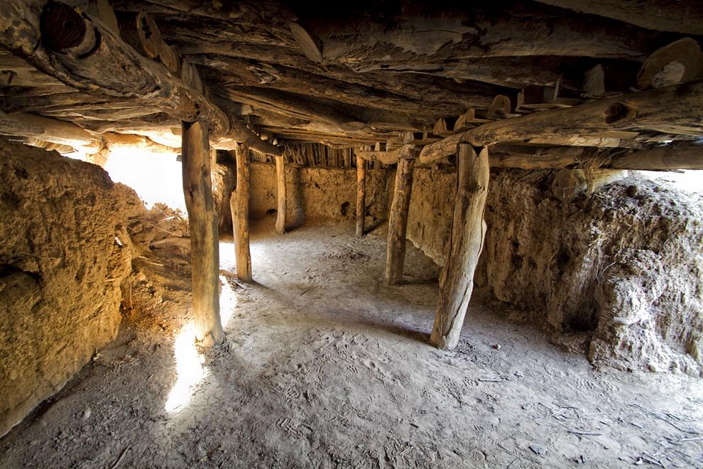 Una tuca boliviana (una suerte de trinchera construida bajo tierra) que todavía se mantiene en pie, en las cercanías del Fortín Boquerón.(Tetsu Espósito - Fortín Boquerón, Chaco, Paraguay)