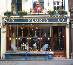 Floris: Jermyn Street (curry15) Tags: london westminster georgian floris shopfront fragrance sw1 soaps stjamess gradeiilisted glazingbars 89jermynstreet juanfloris established1730