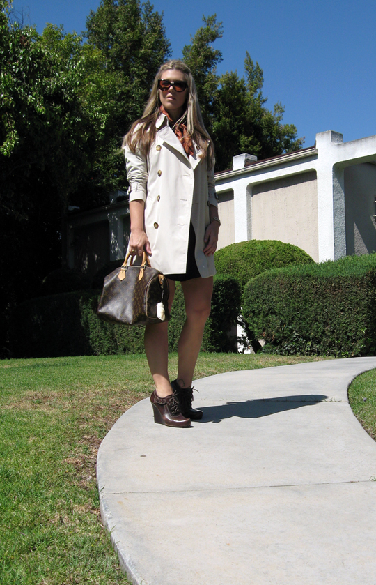 Burberry Trench Coat+Louis Vuitton Speedy+Tom Ford Anouk Sunglasses+Via Spiga wedges -2