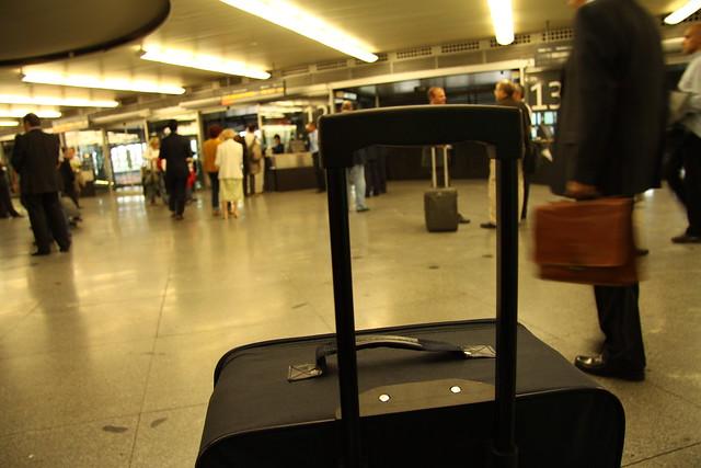 Sala de espera en la estación de Puerta de Atocha, Renfe, Madrid