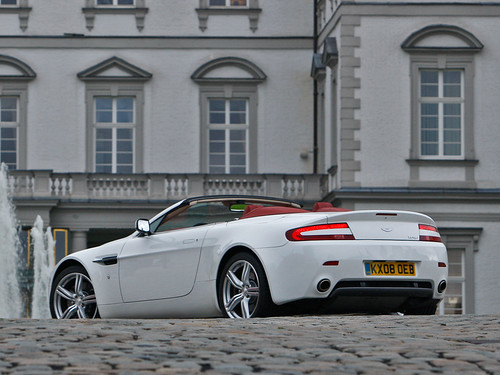 Aston Martin V8 Vantage — N420