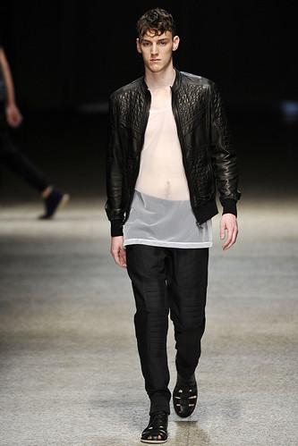 SS11_Milan Neil Barrett0019_Danny Arter(Stylecom)