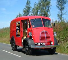 YLH 789 (mr-bg) Tags: royalmail postman panelvan postvan morrisjtype ylh789