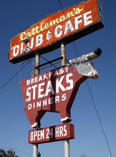 cattleman's club & café neon sign