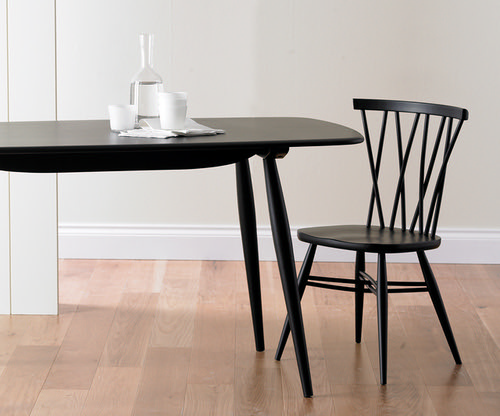 Chiltern table and chair in black finish