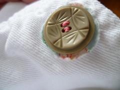 Botão costurado (super_ziper) Tags: pink white flores fashion vintage diy handmade buttons moda rosa super botão tutorial pap branca roupa tecido ziper jaqueta botões customizar customização superziper