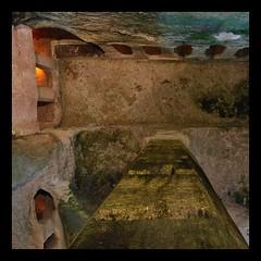 Eglise monolithe Aubeterre Charente (Pascale Dupuis) Tags: france eglise charente pilier aubeterre monolithe nikond60 vitaline allrightsreserved©pascaledupuis