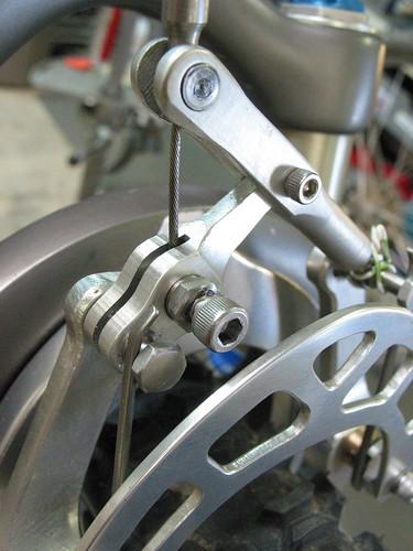 Lever link brake