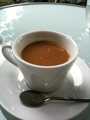 コーヒーで終了。ミルクいれてぐびっといきます。